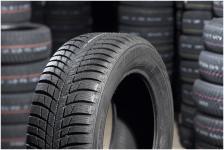 Ziemas riepas Bridgestone LM001 245 / 45 R18 V 100