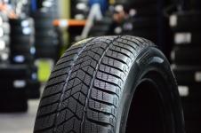 Ziemas riepas Pirelli SOTTOZERO 3 225 / 45 R17 H 91